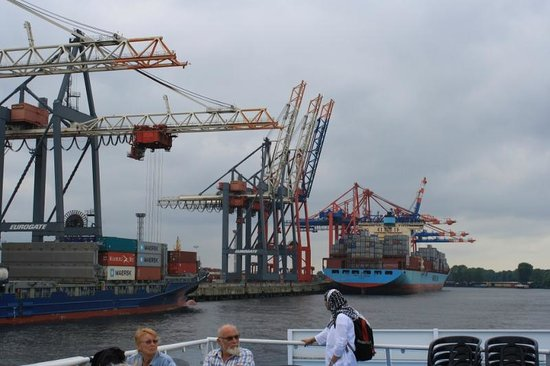 Rainer Abicht Cruise: More cranes and container ships