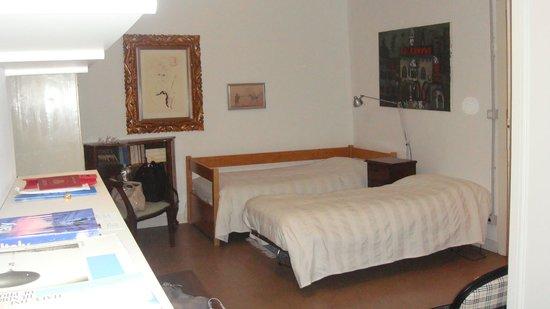 Casa Gandini Bed & Breakfast: часть спальни