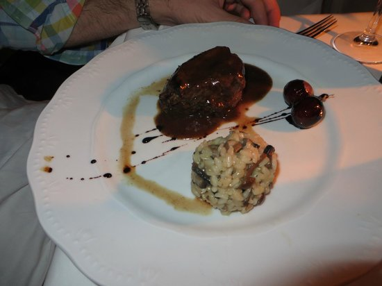 Ambrosia Restaurant: Main
