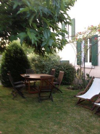 Villa Fleurie : садм