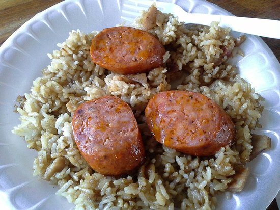 Dave's Plate and Coffee Shack: Breakfast fried rice with Portuguese sausage.  Yum!