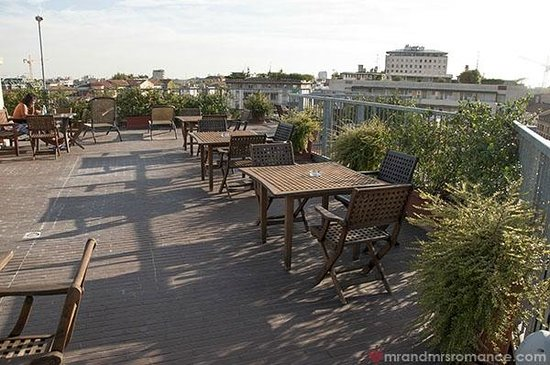BEST WESTERN PLUS Hotel Galles: Best Western Hotel Galles Milan the larger rooftop area