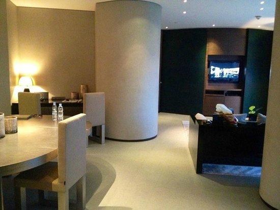 Armani Hotel Dubai : люкс