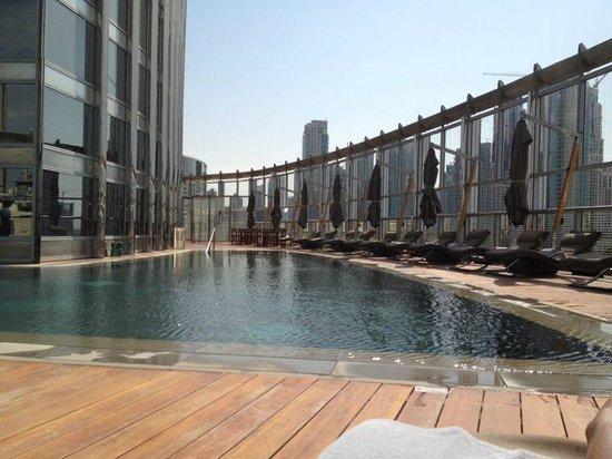 Armani Hotel Dubai : бассейн