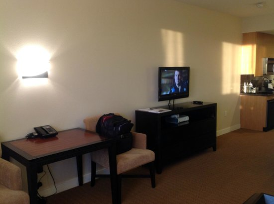 The Westin Verasa Napa: Large room with a small TV