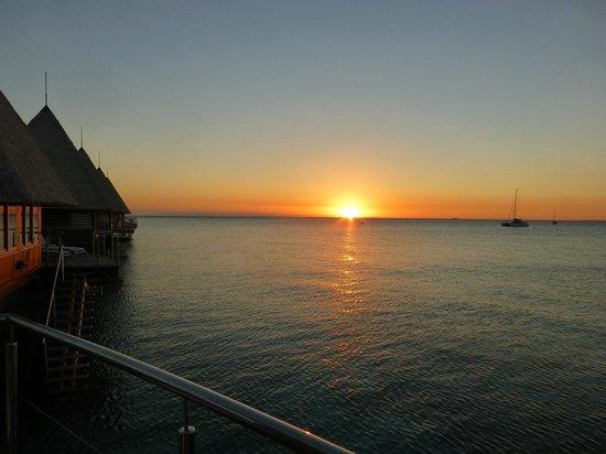 L'Escapade Island Resort: Sunset