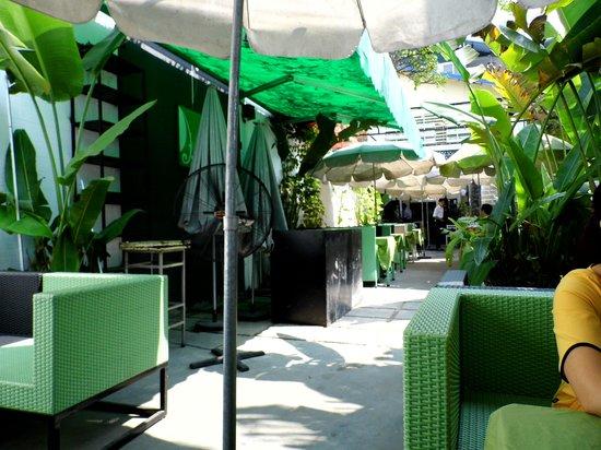 Dieu's Cuisine : La terrasse du restaurant