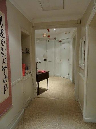 Nice Garden Hotel: Inside hall near the main reception.