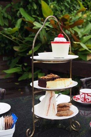 Sibsan Resort & Spa Maetaeng: high tea set