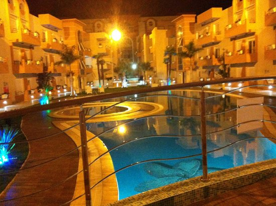 The Dunes Golf and Spa Resort: At night