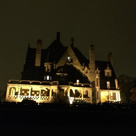 Craigdarroch Castle: love the night view