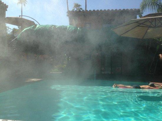 Hotel California : piscina