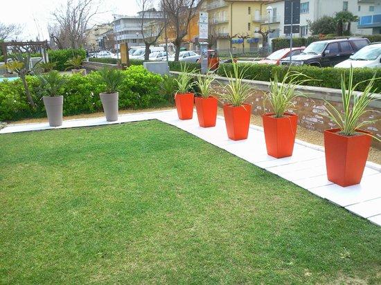 Giardini del mare all 39 ingresso sirtaki bagno - Bagno i figli del sole cervia ...