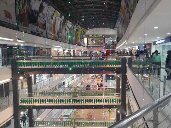 Brookefields Mall: Festive lights