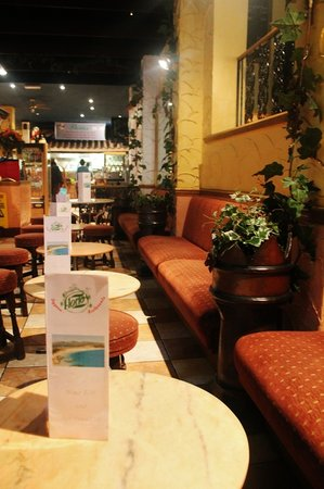 Florios Pizzeria Restaurant: a view from inside