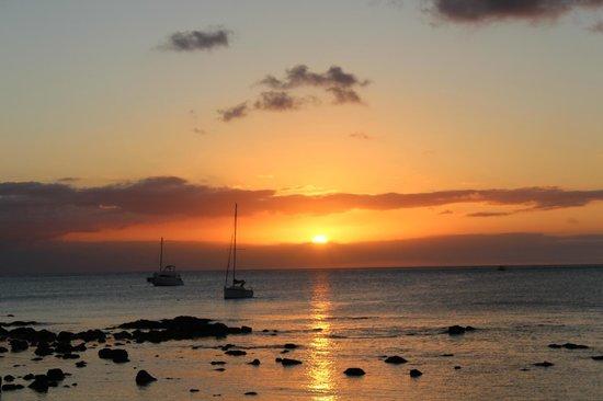 Mon Choisy Beach R.: Coucher de soleil
