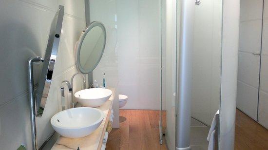 Hotel Puerta America: baño planta Norman Foster