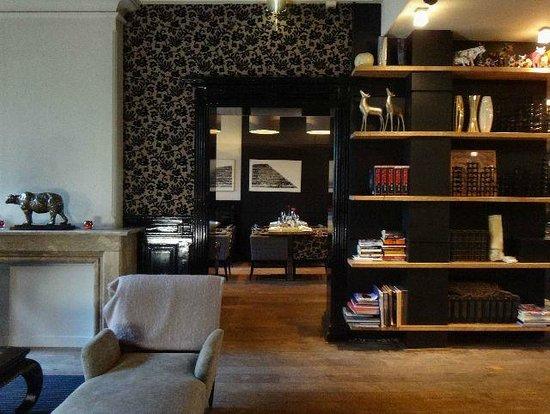 Hotel Vondel : Library