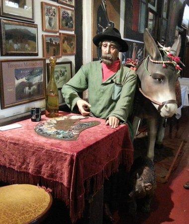U Pirosmani: pirosmanı masası