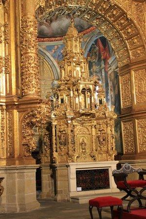Iglesia de Santo Tomás: En el retablo central