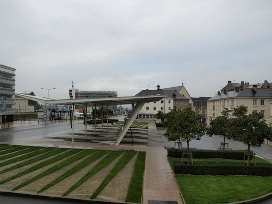 Hotel De Champagne: View from my room. Angers Bus Station