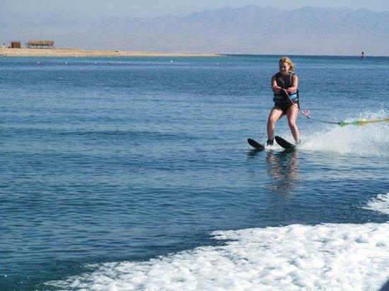 Nuweiba Coral Resort: Водные лыжи