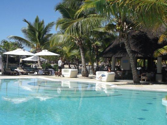 LUX* Grand Gaube: piscine