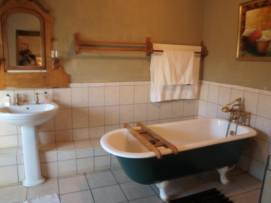 Cypress Cottage : Bathroom