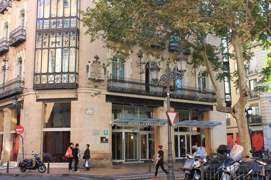 Catalonia El Pilar: Fachada del hotel