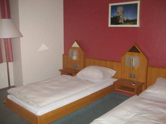 Hotel Christophe Colomb: Matrimoniale letti separati