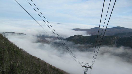 Cannon Mountain: Tram up above the cloud