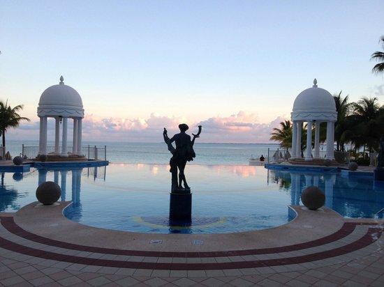 Hotel Riu Palace Las Americas: Piscina