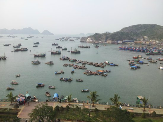 Hotel Phu Thanh: views from the balcony are very nice and entertaining
