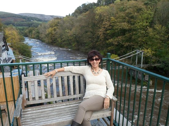 Chainbridge Hotel: Relaxing on the balcony