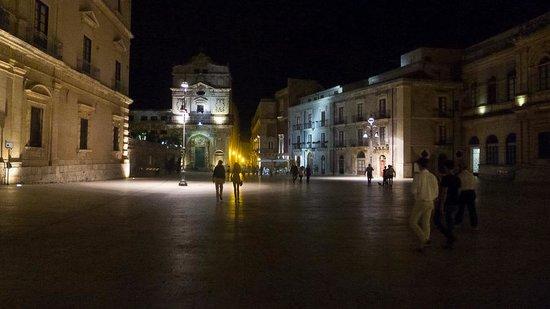 la Casa delle Fate: The Duomo Piazza