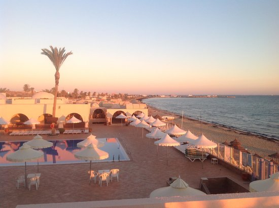 Club Oasis Marine : lever du soleil