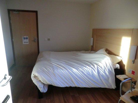 Ibis Aberdeen Centre : Bedroom
