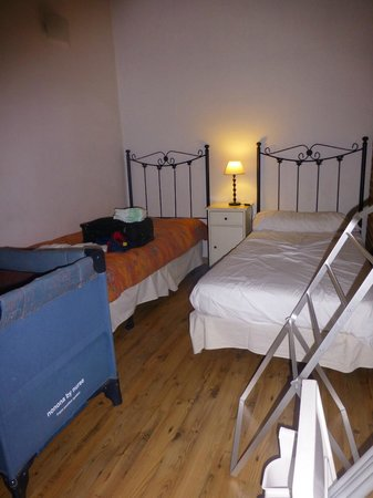 Waters II Apartments: bedroom 1