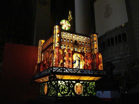 Museo de los Faroles y Rosario de Cristal: Alcazar de Toledo