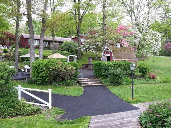 Heidi's Inn: picnic area