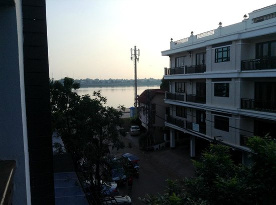 Seasons Riverside Hotel: View from Balcony