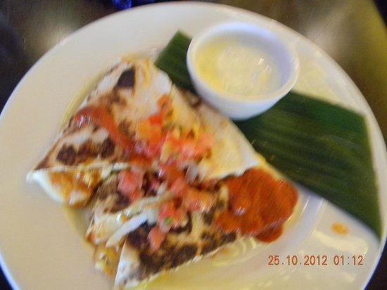 Hot Tamale: Pollo Quesadilla (Chicken Quesadilla $15)