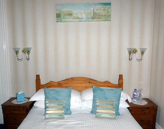 Arden House: the double bed