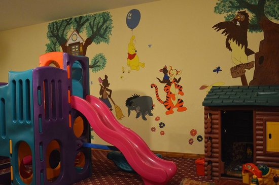Upper Chine Holiday Cottages & Apartments: Kids play area