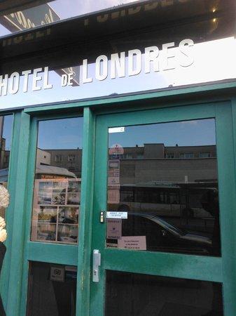 Hotel de Londres : Front of Hotel