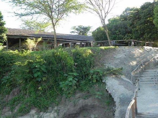 Oloshaiki Camp : vue du restaurant et terrasse
