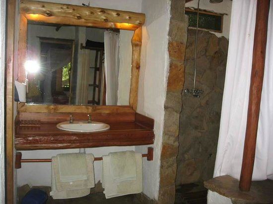 Oloshaiki Camp : salle d'eau