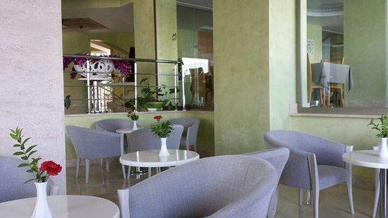 Hotel Marbella: Foyer