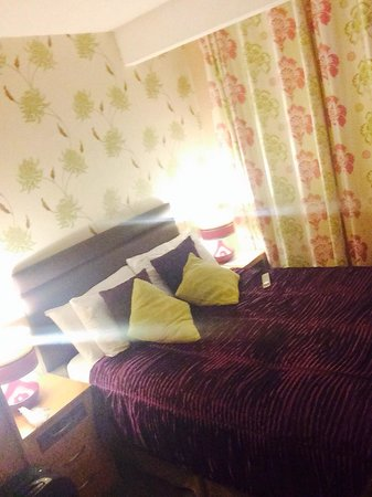The Corona: Hotel room
