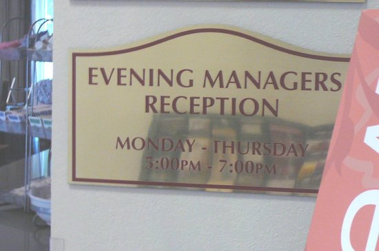 Comfort Suites  Airport: Manager Reception Hours @ Comfort Suites Airport